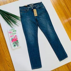 Levi's New 711 Skinny Jeans